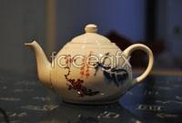Link toAntique ceramic teapot high definition pictures