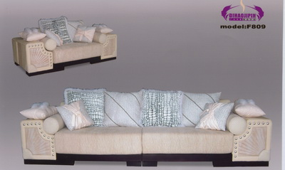 Link toBeautiful home sofa 3d model