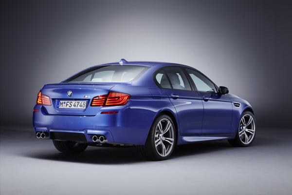 Blue BMW M5 PSD