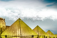 Link toGlass crystal pyramid high definition pictures