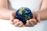 Link toHolding pictures of the earth download