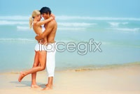 Link toIntimate couple by the sea hd picture