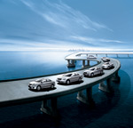 Link toOn the bridge over the sea of cars psd