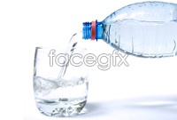 Pour water to cup hd photo