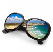 Link toSunglasses in the beach pictures