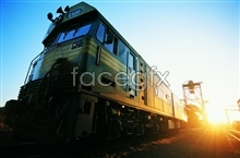 Link topictures hd train green Sunset