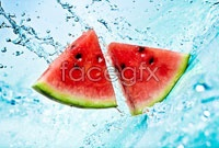 Link toWatermelon slices in water high definition pictures